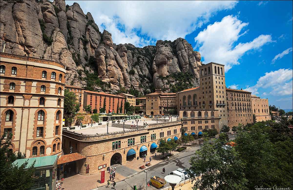 Monestir-Santa-Maria-de-Montserrat