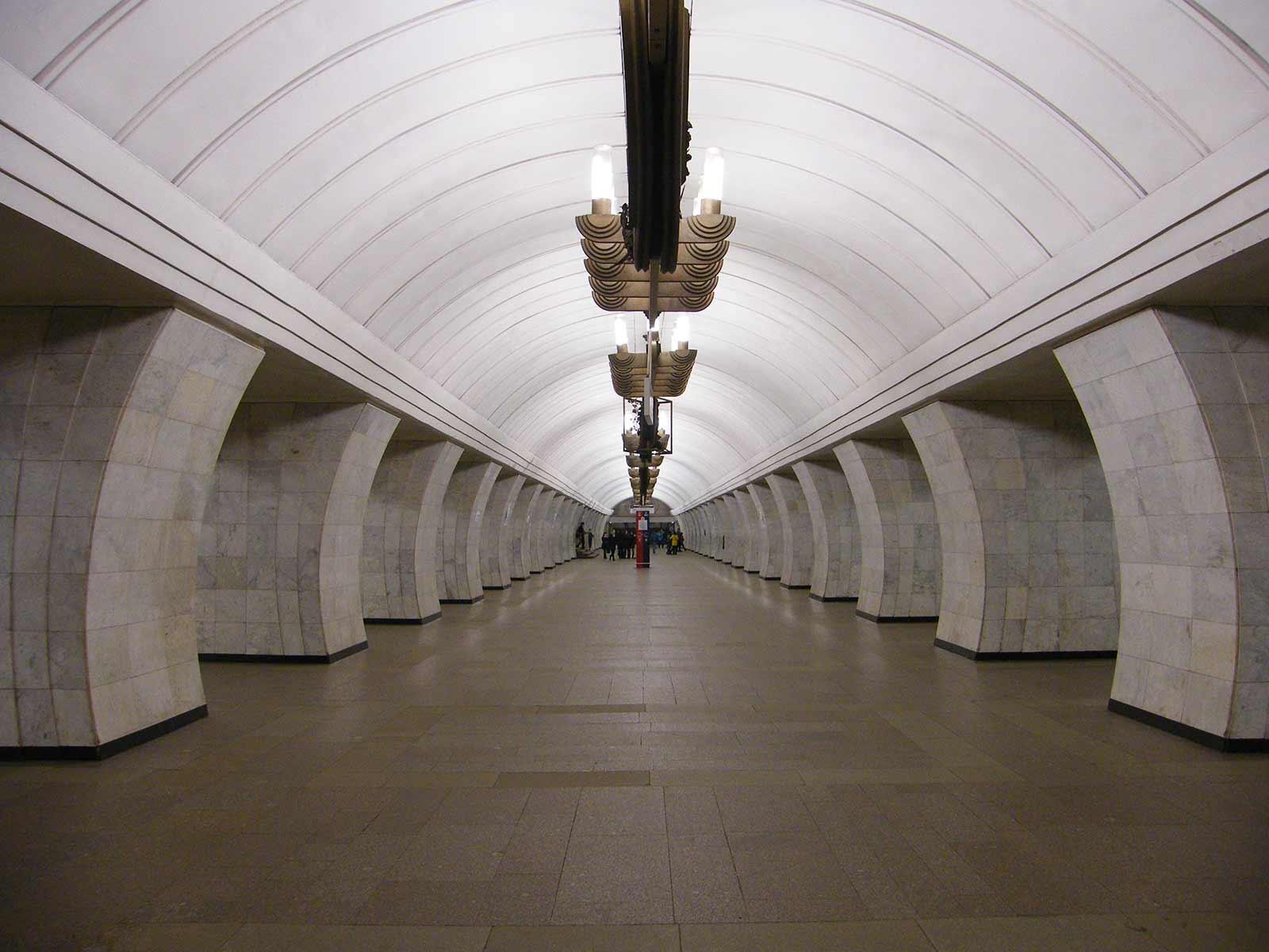станции-метро-Чеховская